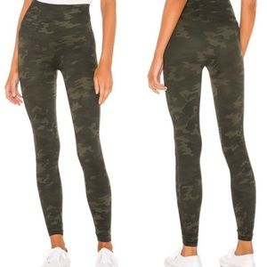 SPANX Look at Me Now Leggings Green Camo Size 1X